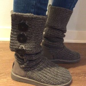 Grey Uggs - Knit style. USA size 5.